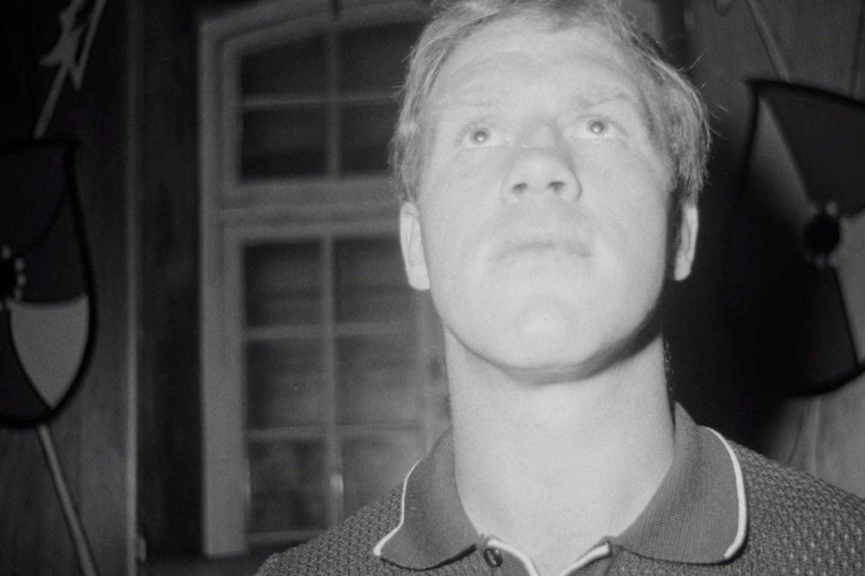 Billy Monk – Shot in the Dark